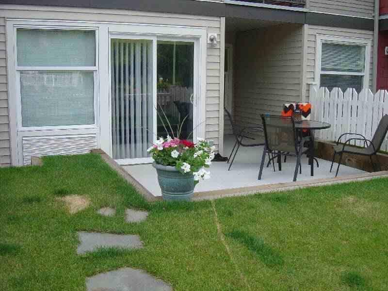 Main Photo: 106 539 Yates Road in Kelowna: North Glenmore Apartment Unit for sale (Central Okanagan)  : MLS®# 9187509