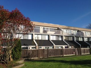 "Photo 2: 42 17706 60TH Avenue in Surrey: Cloverdale BC Condo for sale in ""CLOVERDOWNS"" (Cloverdale)  : MLS®# F1311886"