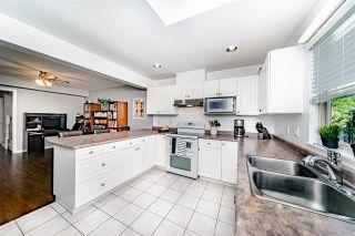 Photo 8: 833 QUADLING Avenue in Coquitlam: Coquitlam West 1/2 Duplex for sale : MLS®# R2407327