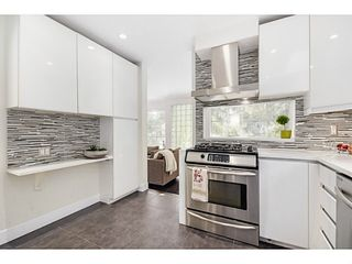 """Photo 9: 363 E 30TH Avenue in Vancouver: Main House for sale in """"MAIN STREET"""" (Vancouver East)  : MLS®# V1085412"""