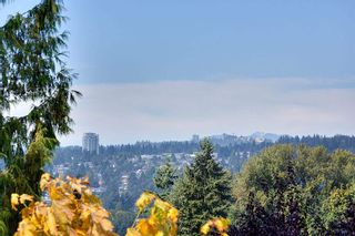 Photo 16: 134 MONTGOMERY Street in Coquitlam: Cape Horn House for sale : MLS®# R2404412