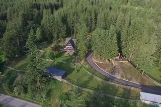 Main Photo: 1450 Vella Road: House for sale (Tappen)  : MLS®# 10210933