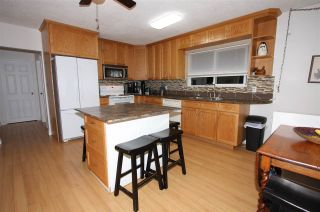"""Photo 3: 10144 WEDGEWOOD Drive in Chilliwack: Fairfield Island House for sale in """"Fairfield"""" : MLS®# R2520603"""