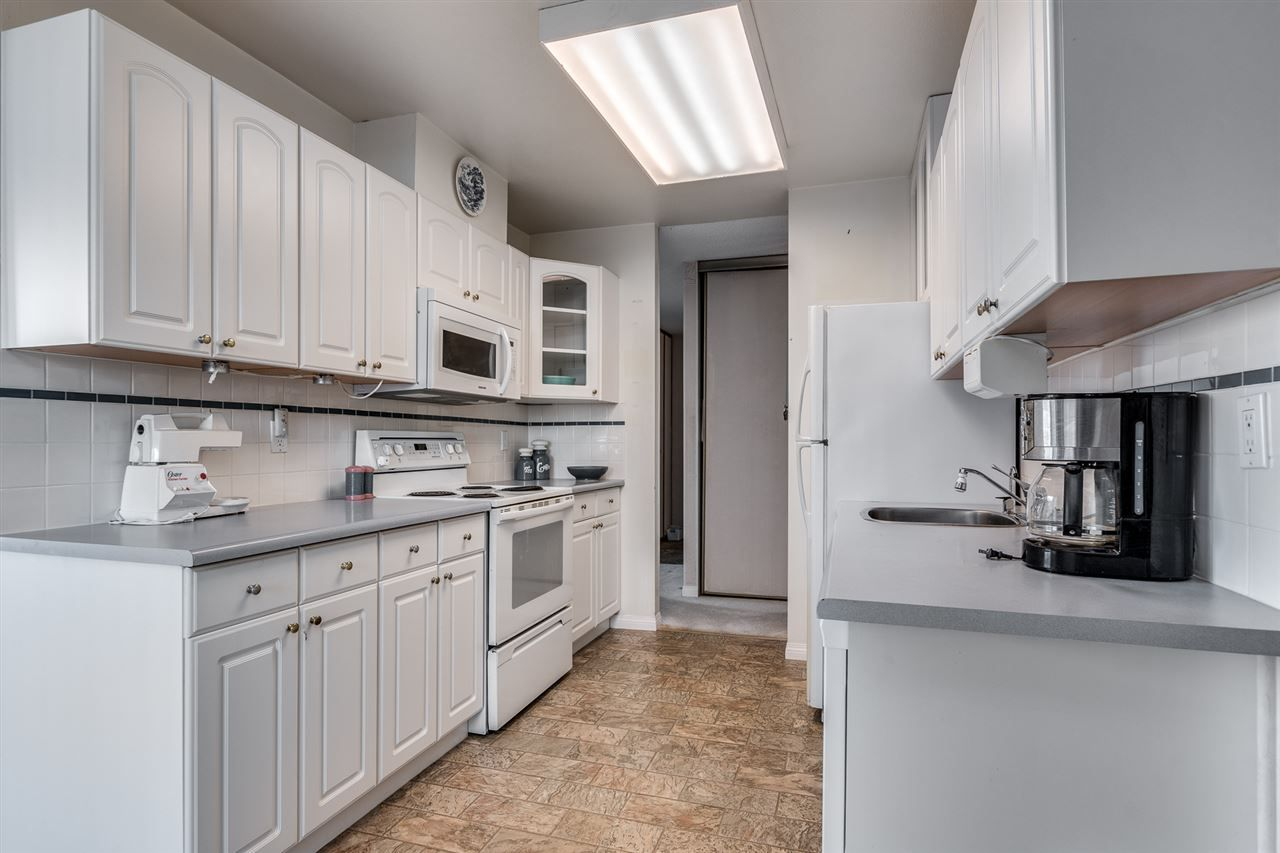 """Photo 9: Photos: 1004 3737 BARTLETT Court in Burnaby: Sullivan Heights Condo for sale in """"MAPLES AT TIMBERLEA"""" (Burnaby North)  : MLS®# R2522473"""