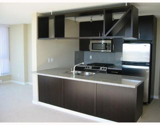 """Photo 5: 901 5088 KWANTLEN Street in Richmond: Brighouse Condo for sale in """"SEASONS TOWER"""" : MLS®# V659426"""