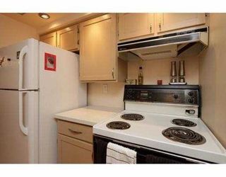 """Photo 4: 101 410 AGNES Street in New Westminster: Downtown NW Condo for sale in """"MARSEILLE PLAZA"""" : MLS®# V1069596"""