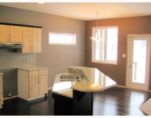 Photo 4: Photos: 39 FOXRUN Place in WINNIPEG: West Kildonan / Garden City Residential for sale (North West Winnipeg)  : MLS®# 2903054