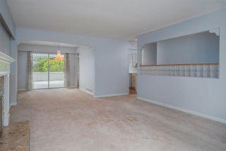 """Photo 5: 4437 ATLEE Avenue in Burnaby: Deer Lake Place House for sale in """"DEER LAKE PLACE"""" (Burnaby South)  : MLS®# R2586875"""