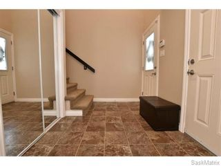 Photo 4: 5325 DEVINE Drive in Regina: Lakeridge Addition Single Family Dwelling for sale (Regina Area 01)  : MLS®# 598205