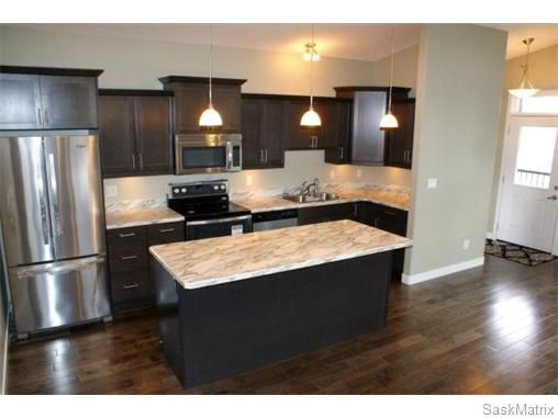 Main Photo: 1158 LINDSAY Street in Regina: Eastview Single Family Dwelling for sale (Regina Area 03)  : MLS®# 574052