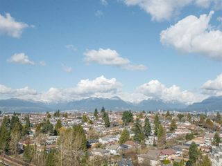 Photo 12: 1708 5380 OBEN STREET in Vancouver: Collingwood VE Condo for sale (Vancouver East)  : MLS®# R2445259