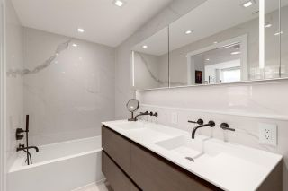 """Photo 11: 2101 620 CARDERO Street in Vancouver: Coal Harbour Condo for sale in """"CARDERO"""" (Vancouver West)  : MLS®# R2577722"""
