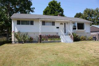 Photo 1: 5959 173B Street in Surrey: Cloverdale BC House for sale (Cloverdale)  : MLS®# R2189706