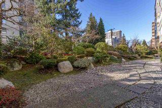 "Photo 16: 301 1425 ESQUIMALT Avenue in West Vancouver: Ambleside Condo for sale in ""OCEANBROOK"" : MLS®# R2435961"