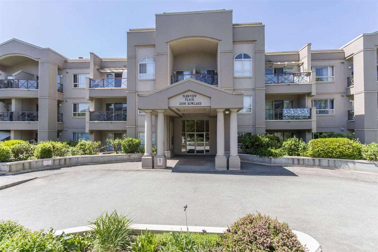 """Main Photo: 228 2109 ROWLAND Street in Port Coquitlam: Central Pt Coquitlam Condo for sale in """"Parkview Place"""" : MLS®# R2269188"""
