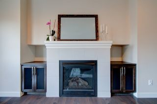 Photo 8: 2336 SPARROW Crescent in Edmonton: Zone 59 House for sale : MLS®# E4240550