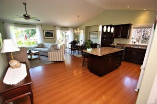 Photo 3: 2332 Woodside Pl in : Na Diver Lake House for sale (Nanaimo)  : MLS®# 876912