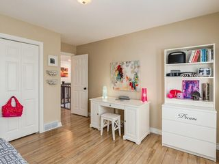 Photo 34: 123 SIGNATURE Terrace SW in Calgary: Signal Hill Detached for sale : MLS®# C4303183