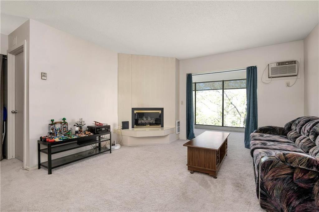 Photo 3: Photos: 312 693 St Anne's Road in Winnipeg: River Park South Condominium for sale (2E)  : MLS®# 202112087