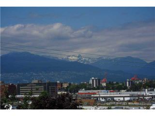 """Photo 1: 306 2142 CAROLINA Street in Vancouver: Mount Pleasant VE Condo for sale in """"WOOD DALE - MT PLEASANT"""" (Vancouver East)  : MLS®# V972400"""