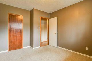 Photo 11: 930 16 Street NE in Calgary: Mayland Heights House for sale : MLS®# C4141621