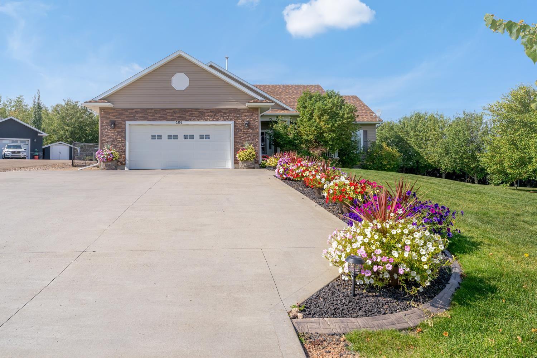 Main Photo: 2902 Drake Drive: Cold Lake House for sale : MLS®# E4237860