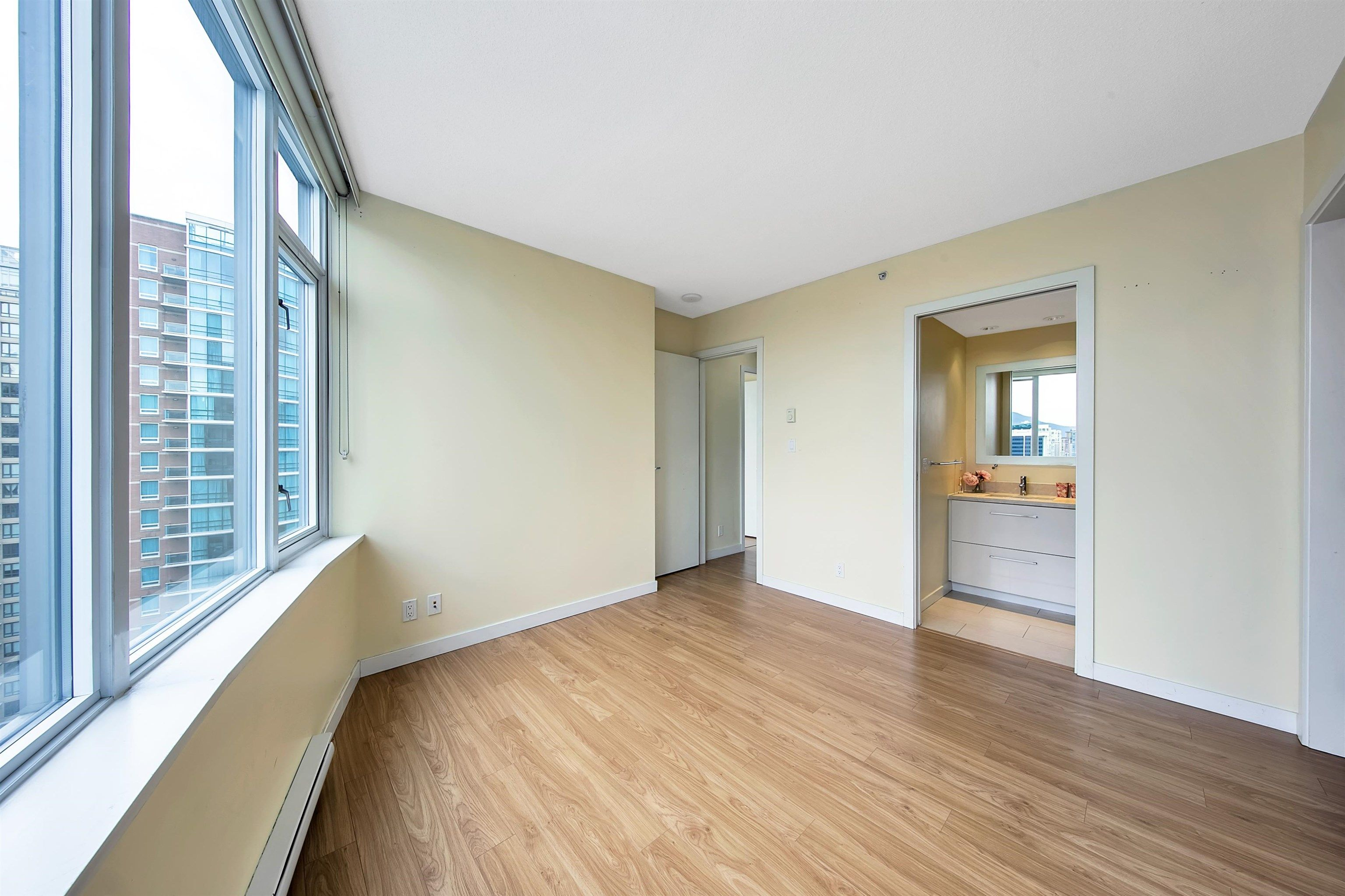 """Photo 15: Photos: 2302 833 HOMER Street in Vancouver: Downtown VW Condo for sale in """"Atelier"""" (Vancouver West)  : MLS®# R2615820"""