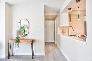 Photo 4: 904 1200 ALBERNI STREET in Vancouver: West End VW Condo for sale (Vancouver West)  : MLS®# R2601585
