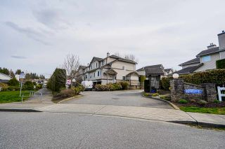 """Photo 3: 4 20750 TELEGRAPH Trail in Langley: Walnut Grove Townhouse for sale in """"Heritage Glen"""" : MLS®# R2563994"""