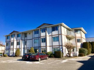 """Photo 1: 302C 45655 MCINTOSH Drive in Chilliwack: Chilliwack W Young-Well Condo for sale in """"McIntosh Place"""" : MLS®# R2338065"""