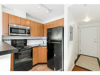 """Photo 2: 303 1367 ALBERNI Street in Vancouver: West End VW Condo for sale in """"THE LIONS"""" (Vancouver West)  : MLS®# V1099854"""