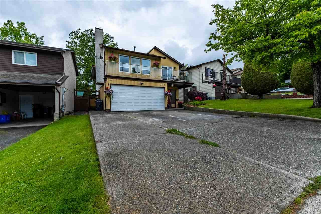 Main Photo: 2330 WAKEFIELD Drive in Langley: Langley City House for sale : MLS®# R2586582