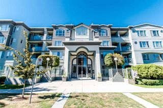 "Photo 2: 407 6475 CHESTER Street in Vancouver: Fraser VE Condo for sale in ""SOUTHRIDGE HOUSE"" (Vancouver East)  : MLS®# R2205282"