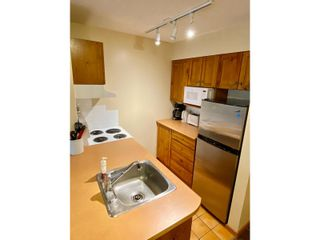 Photo 11: 302 - 2060 SUMMIT DRIVE in Panorama: Condo for sale : MLS®# 2461113