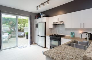 """Photo 6: 147 9133 GOVERNMENT Street in Burnaby: Government Road Townhouse for sale in """"TERRAMOR"""" (Burnaby North)  : MLS®# R2168245"""