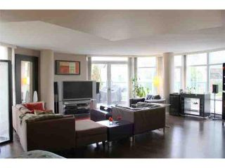 "Photo 1: 190 COOPER'S MEWS BB in Vancouver: False Creek North Condo for sale in ""QUAY WEST"" (Vancouver West)  : MLS®# V881995"