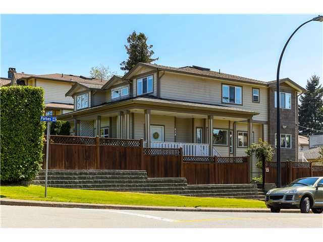 Main Photo: 638 FORBES AV in North Vancouver: Lower Lonsdale Condo for sale : MLS®# V1118672