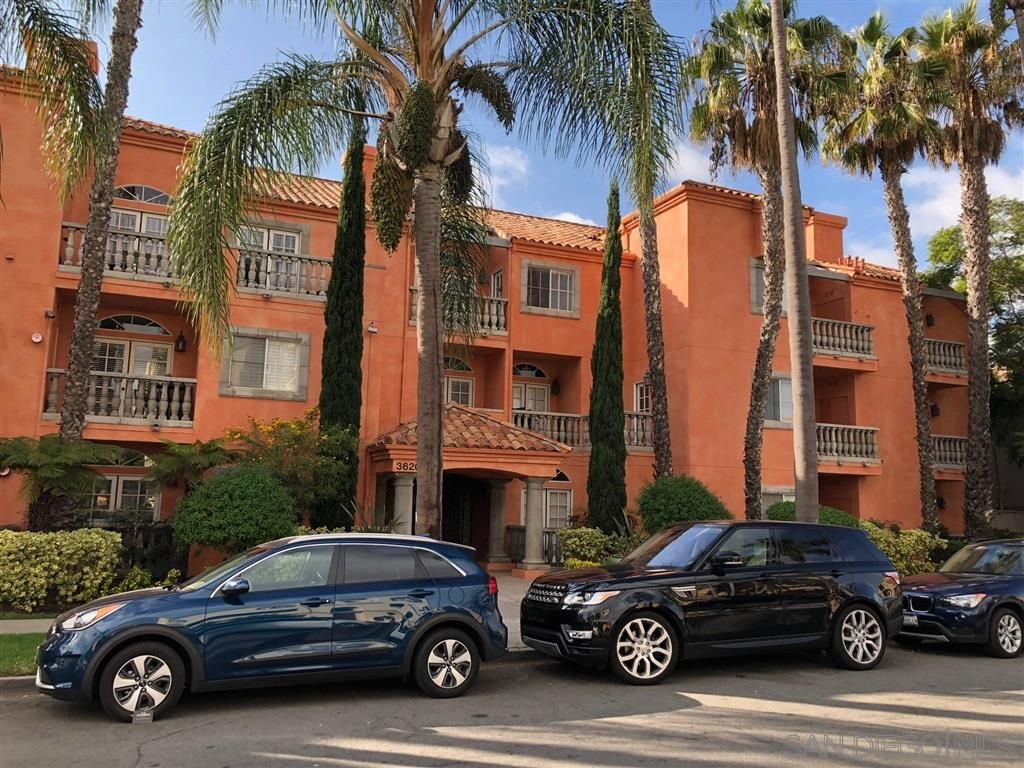 Main Photo: HILLCREST Condo for rent : 2 bedrooms : 3620 3Rd Ave #208 in San Diego