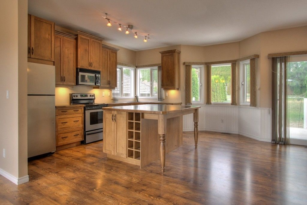 Main Photo: 2214 Lillooet Crescent in Kelowna: Other for sale : MLS®# 10016192