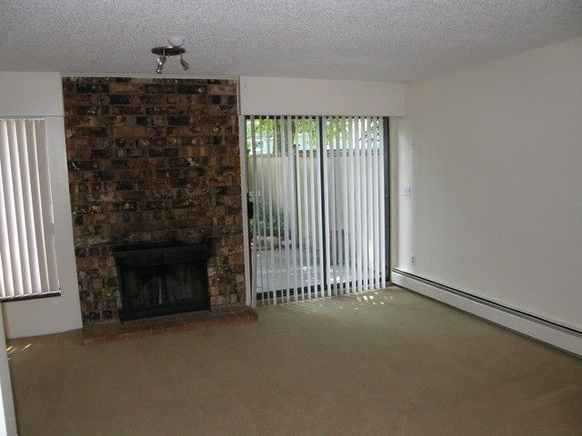 """Photo 2: Photos: 239 7447 140TH Street in Surrey: East Newton Townhouse for sale in """"Glencoe Estates"""" : MLS®# F1406219"""