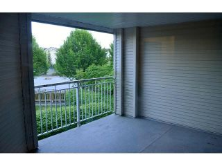 """Photo 9: 220 19750 64TH Avenue in Langley: Willoughby Heights Condo for sale in """"THE DAVENPORT"""" : MLS®# F1448460"""