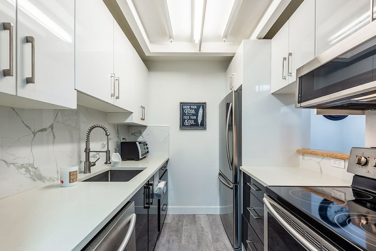 """Photo 4: Photos: 307 1155 ROSS Road in North Vancouver: Lynn Valley Condo for sale in """"THE WAVERLEY"""" : MLS®# R2533563"""