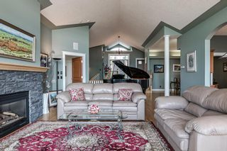 Photo 8: 40 Slopes Grove SW in Calgary: Springbank Hill Detached for sale : MLS®# A1069475