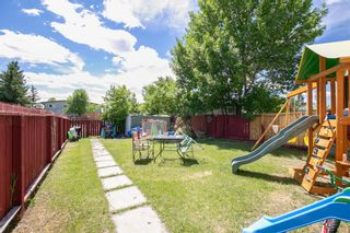 Photo 3: 2 Beaver Dam Place NE in Calgary: Thorncliffe Semi Detached for sale : MLS®# A1124643