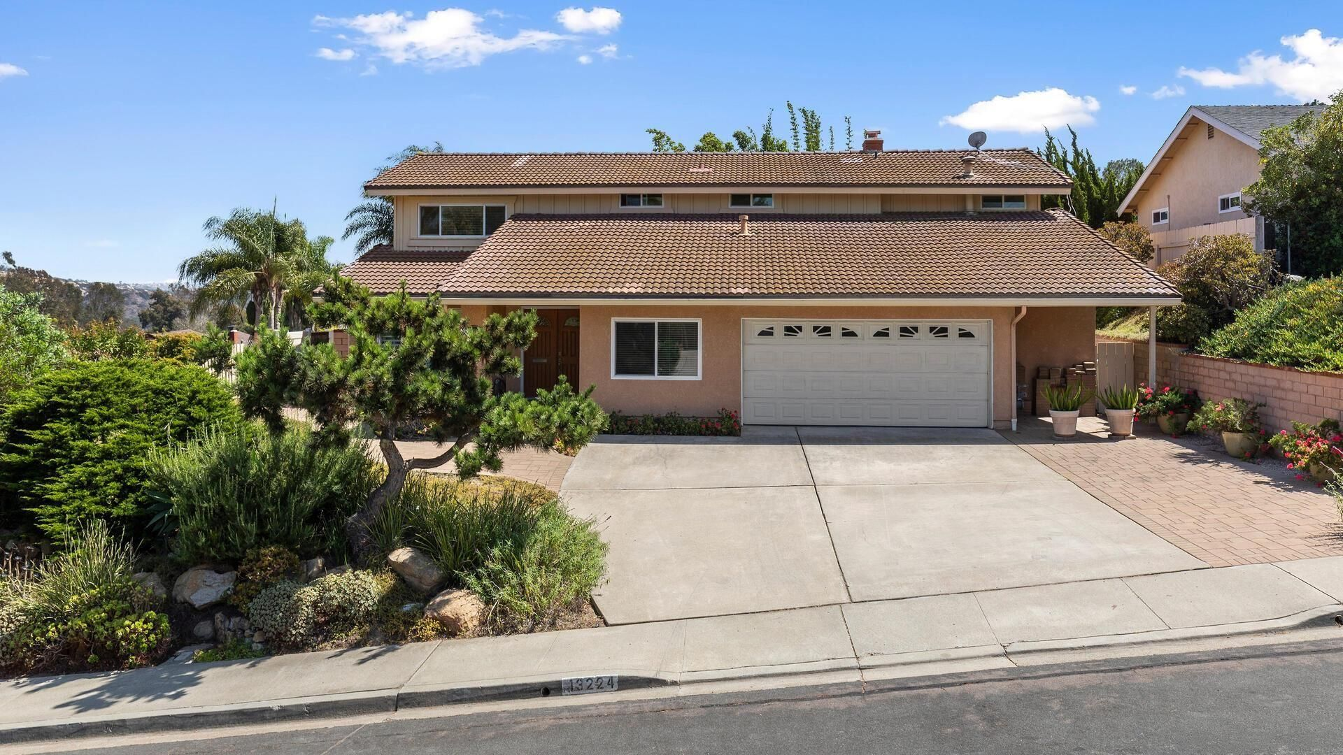 Main Photo: House for sale : 6 bedrooms : 13224 Mango Dr in Del Mar