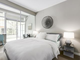 Photo 12: 309 1661 ONTARIO STREET in Vancouver: False Creek Condo for sale (Vancouver West)  : MLS®# R2157053