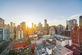 """Photo 1: 2207 999 SEYMOUR Street in Vancouver: Downtown VW Condo for sale in """"999 Seymour"""" (Vancouver West)  : MLS®# R2521915"""