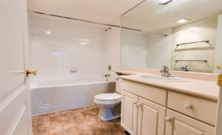 """Photo 28: 307 32075 GEORGE FERGUSON Way in Abbotsford: Central Abbotsford Condo for sale in """"ARBOUR COURT"""" : MLS®# R2564038"""