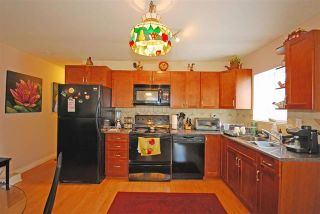 Photo 13: Coquitlam: Condo for sale : MLS®# R2075039