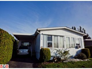 """Photo 1: 55 2303 CRANLEY Drive in White Rock: King George Corridor Manufactured Home for sale in """"SUNNYSIDE ESTATES"""" (South Surrey White Rock)  : MLS®# F1125566"""